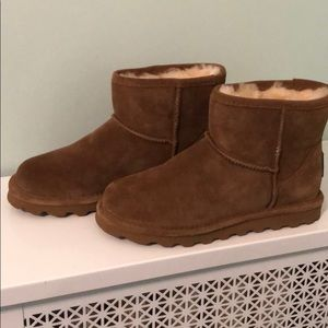 Bearpaw size 7 chestnut boots new without box